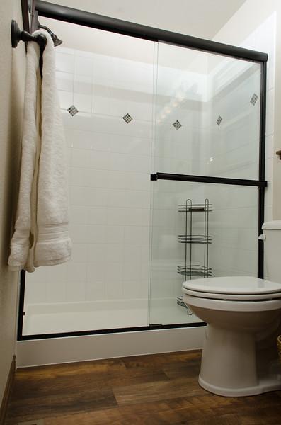 Master Bath (5).jpg