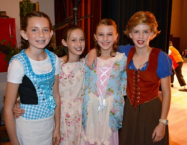 Paradise Canyon Stages 'Beauty and the Beast'