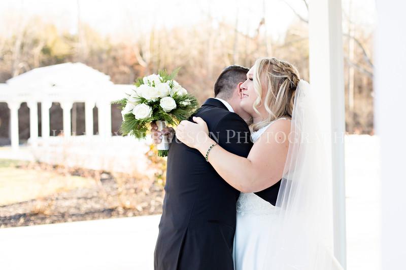 Hillary_Ferguson_Photography_Melinda+Derek_Getting_Ready393.jpg