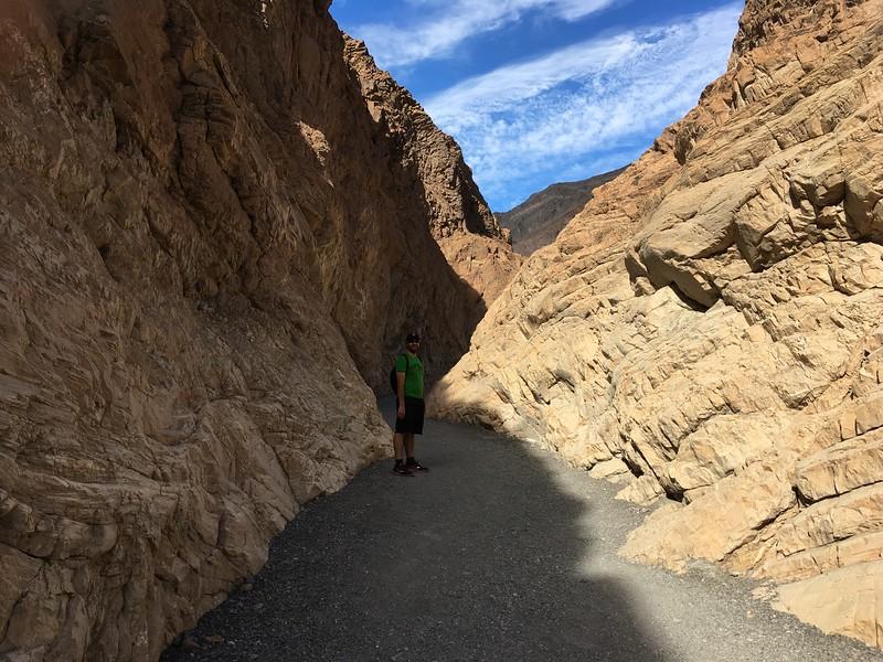 Mosaic Canyon hike