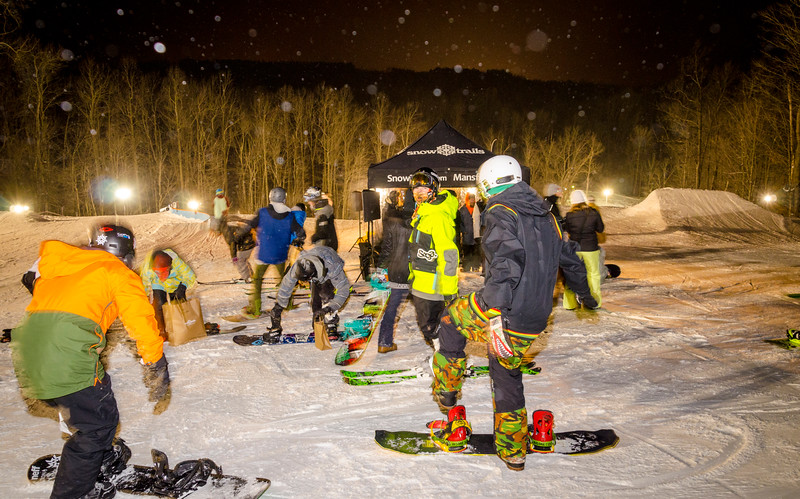 Nighttime-Rail-Jam_Snow-Trails-246.jpg