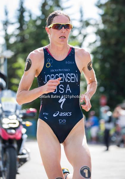 Gwen Jorgensen on the run course