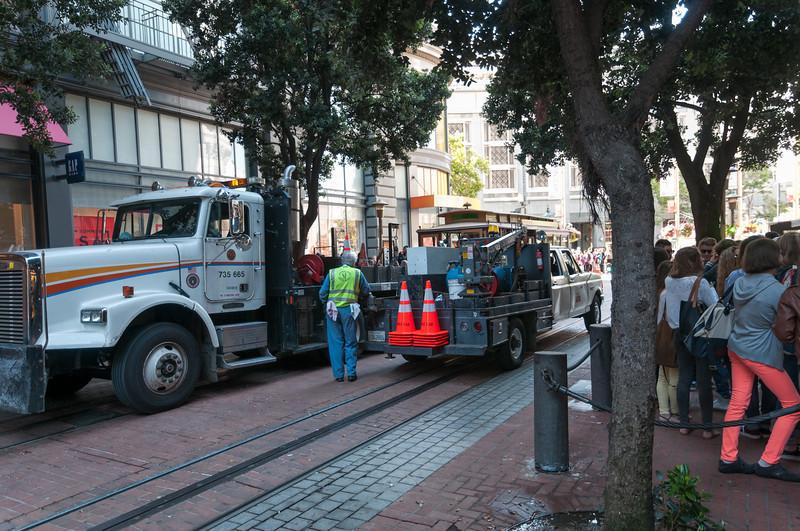 An der Powell Station wurde eines der Cable Cars repariert.