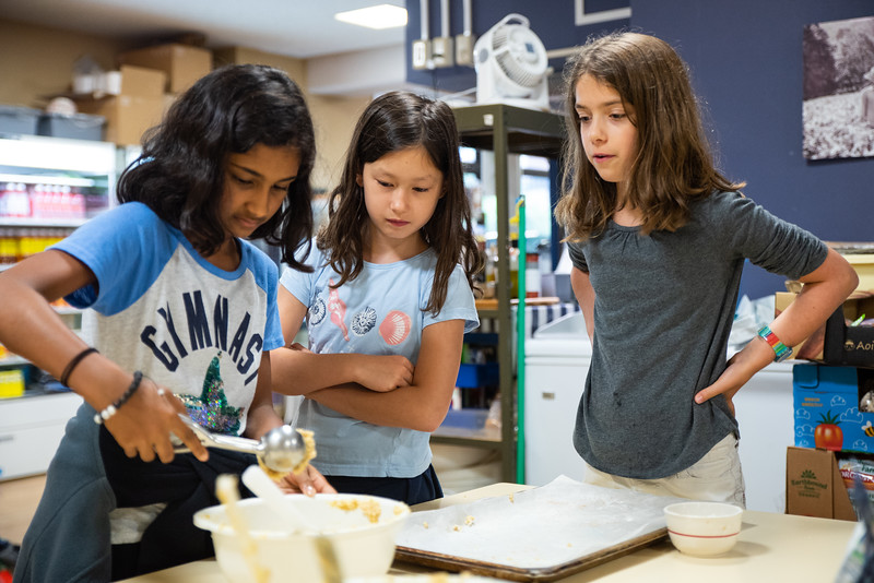 ES After School Activities-Cooking with Dragon Dining-ELP_2298-2018-19.jpg