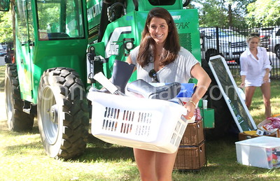 Trinity College - Freshman Students Moving In - August 28, 2014