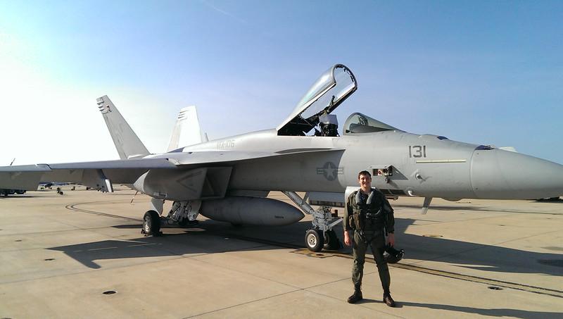 F-18 Solo