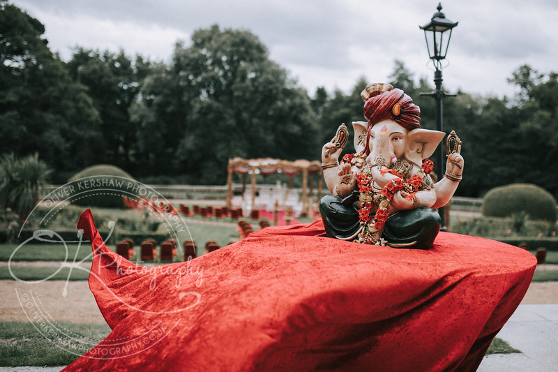 Rosy & Richard-Wedding-By-Oliver-Kershaw-Photography-115359.jpg