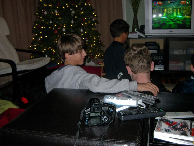 09 - Dec - 11 - Jr High 6th Grade All-Nighter-0615