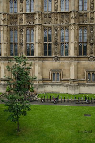 London-ParlimentBikes.jpg