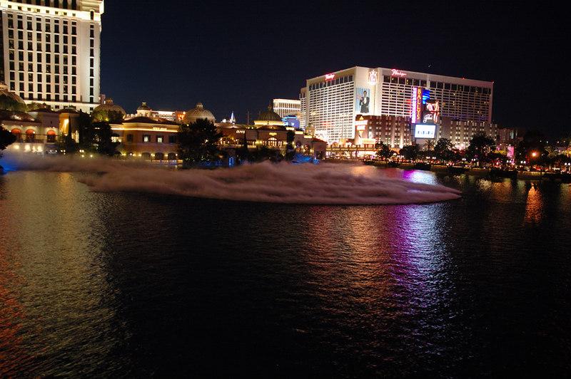 Fountain02.JPG