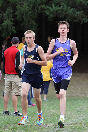 Manton Fox and Hound Boys Varsity 1.5 Mile Mark