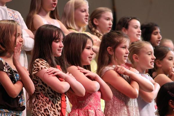Les jeunes chanteuses Spring Concert (4.21.16)
