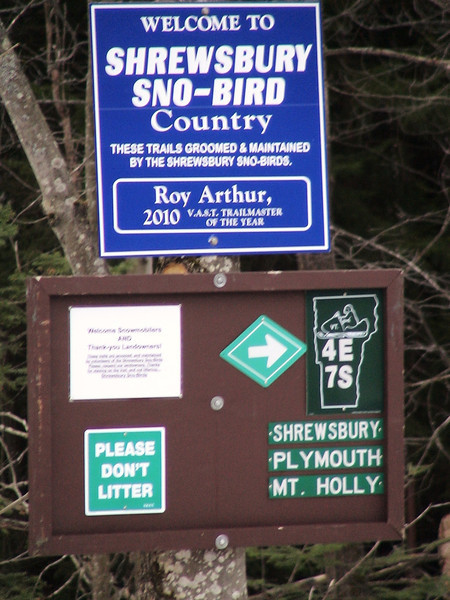 Trail sign @ Route 4 in Mendon.