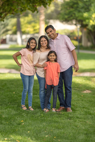 Urvi Family-53.jpg