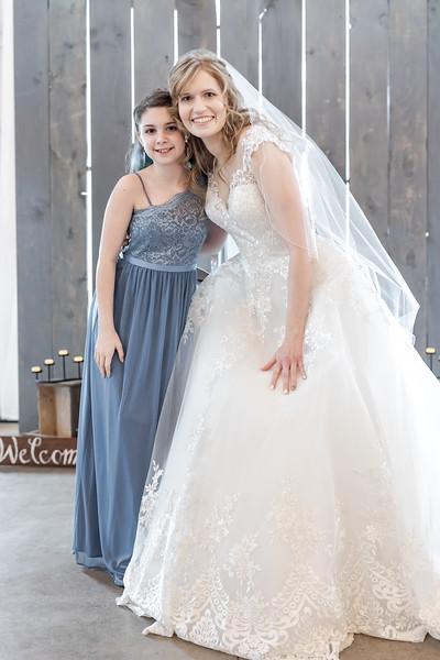 Logan_Sarah_Wedding_Rock_Ridge_Orchard_LLC_Edgar_Wisconsin_November_10_2018-155.jpg