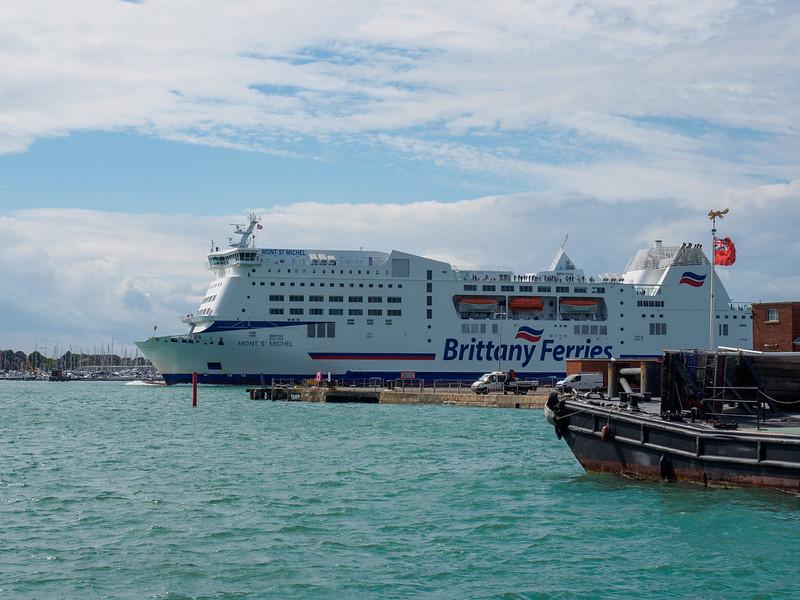 Cross chanel ferry