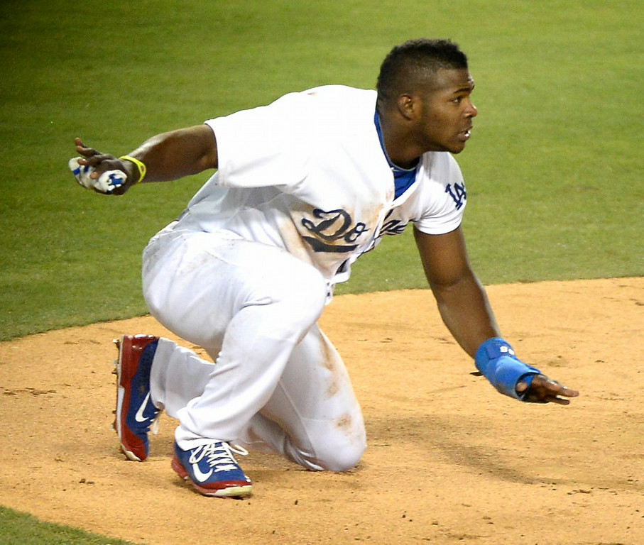""". 6. (tie) YASIEL PUIG <p>The dimmest, most imbecilic base runner in the history of � history. (unranked) </p><p><b><a href=\""""http://www.foxsports.com/mlb/story/yasiel-puig-los-angeles-dodgers-runs-into-triple-play-082414\"""" target=\""""_blank\""""> LINK </a></b> </p><p>     (Harry How/Getty Images)</p>"""