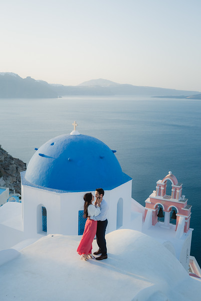 Santorini-sunrise-photo-shoot-anniversary-5.jpg