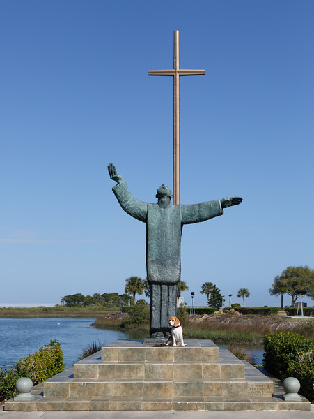 Statue of Father Francisco Lopez