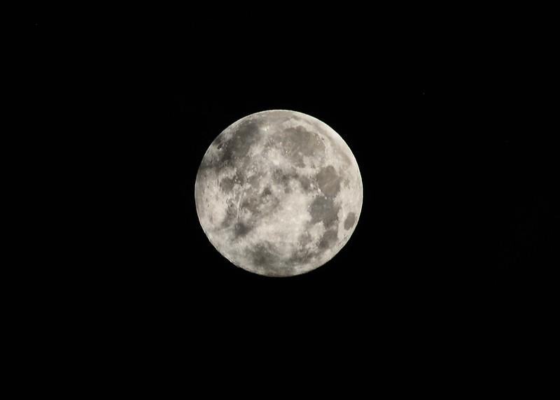 NEA_2797-7x5-Moon.jpg
