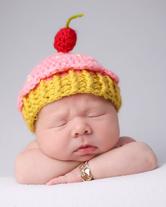 Degollado Newborn Peeks