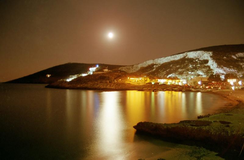 Full moon in Kakia Thalassa, Keratea, Greece