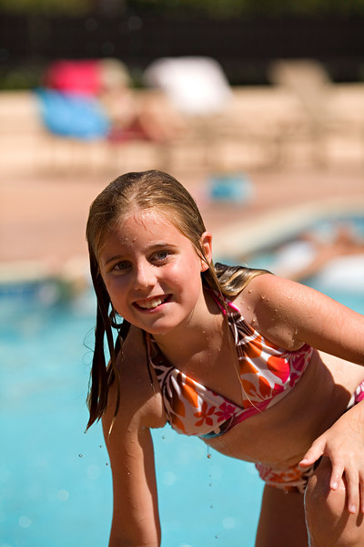Hanging at the Pool - Aug 2007