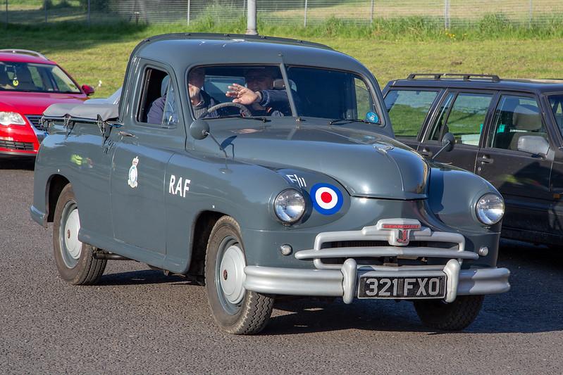 321FXO 1952 Standard Vanguard