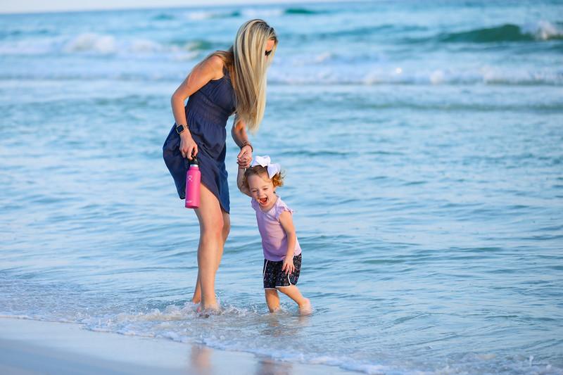 Harper at the beach-13.jpg