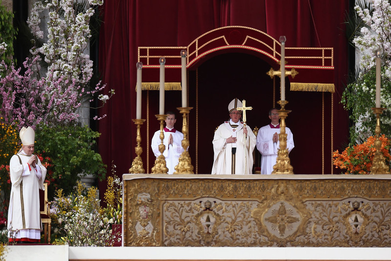 . Pope Francis delivers Mass prior to his first \'Urbi et Orbi\' blessing from the balcony of St. Peter\'s Basilica during Easter Mass on March 31, 2013 in Vatican City, Vatican. Pope Francis delivered his message to the gathered faithful from the central balcony of St. Peter\'s Basilica in St. Peter\'s Square after his first Holy week as Pontiff.  (Photo by Dan Kitwood/Getty Images)