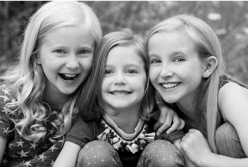 Family+Portrait+Session+with+3+Sisters+in+Aspen+Colorado+by+Jennifer+Koskinen.jpg