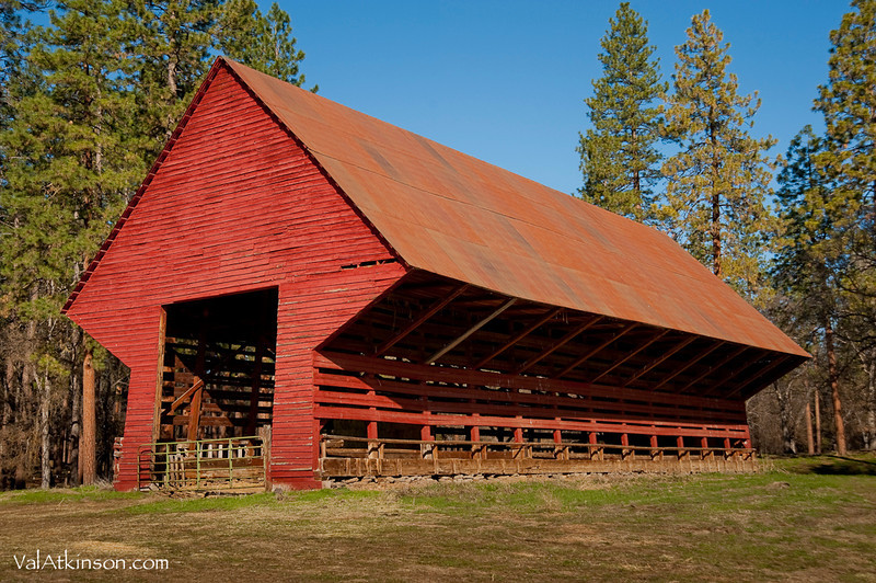 "Harry Horr ""self feeder barn"". Built around 1935-1940."