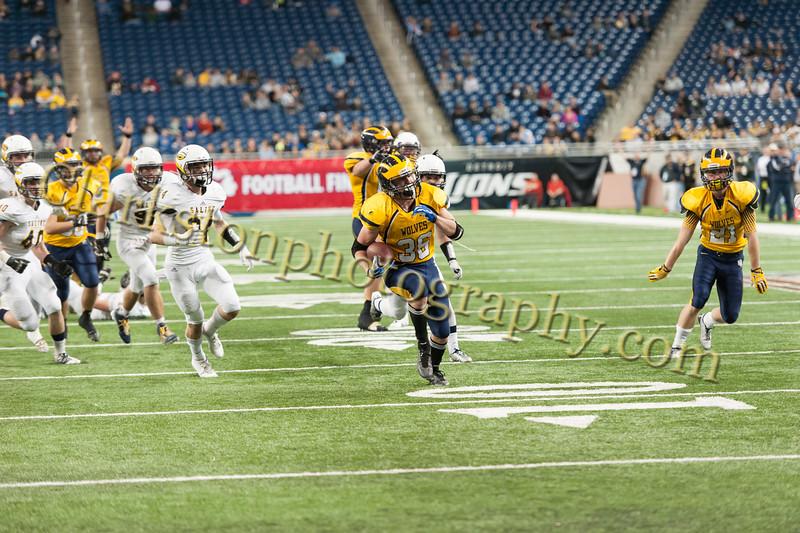 2014 Clarkston Varsity Football vs. Saline 653.jpg