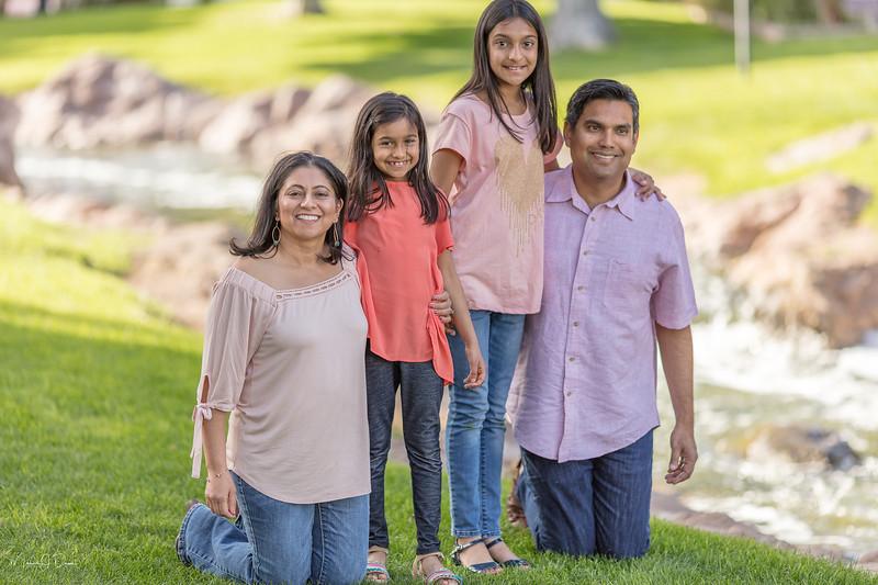 Urvi Family-189.jpg
