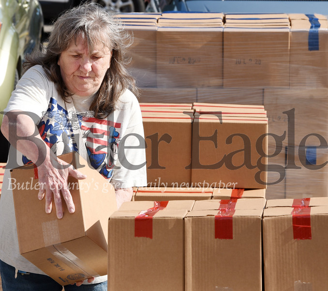 Harold Aughton/Butler Eagle: Kay Oertel volunteered for the Alliance for Community Resoruces at at the First United Methodist Church in Butler Wednesday, June 17, 2020.