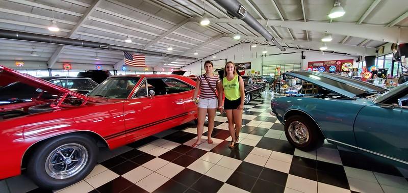 KY, Bowling Green - Art's Auto Mart, 2019