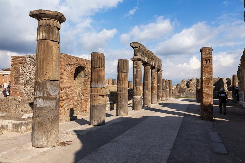 Pompeii 6965.jpg