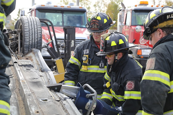Bensenville extrication training w/WoodDale & Stone Pk. 10-22-16