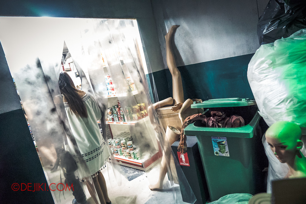 Halloween Horror Nights 7 Review - DEATH Mall haunted house / backdoor