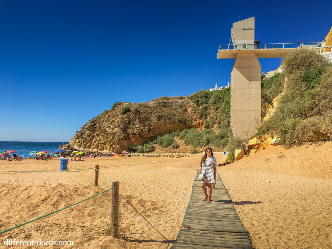 stay in the Algarve