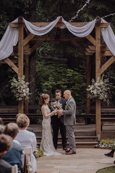 2018-05-12_ROEDER_JulieSeth_Wedding_ROEDER2_0041.jpg