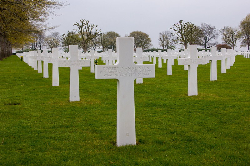 04_Band of Brothers Grave_Netherlands American Cemetery Netherlands.jpg