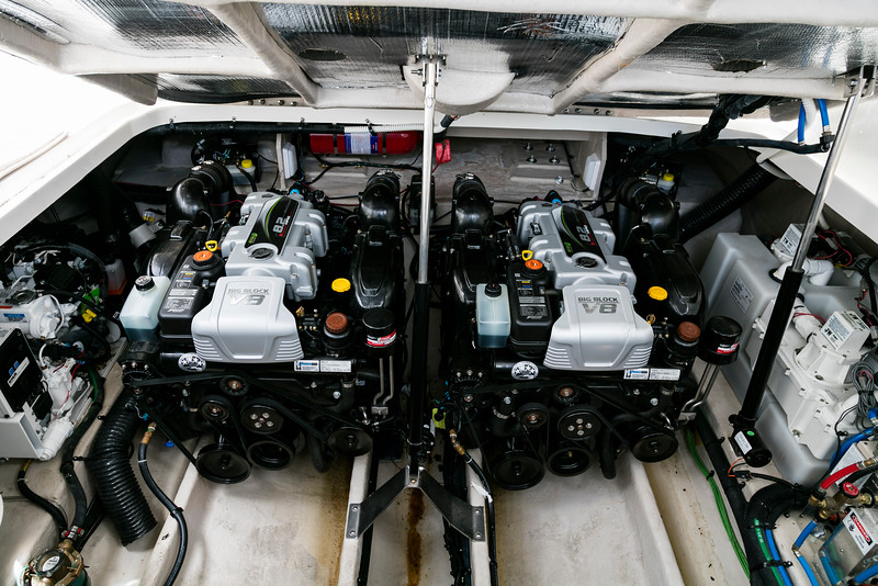 Sundancer310_V8_Twins.jpg