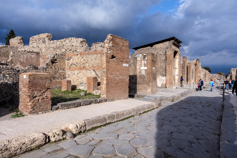 Pompeii 6977.jpg