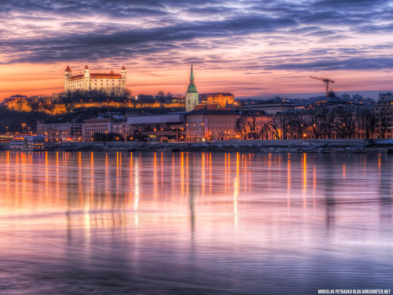 The-very-colorful-sunset-in-Bratislava-1600x1200.jpg