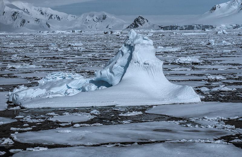 below the antarctic circle 34-Edit.JPG