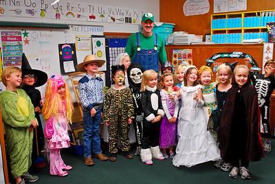 2011 Kindergarten Halloween Parade