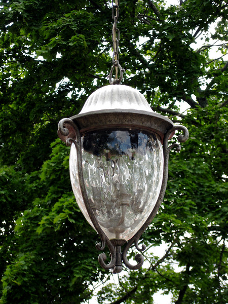 Detail of the light.