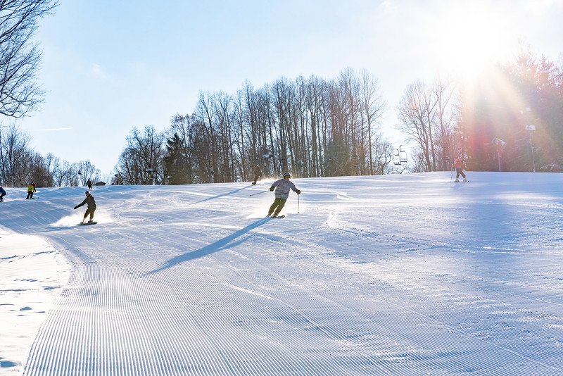 Opening-Day_12-7-18_Snow-Trails-70554.jpg