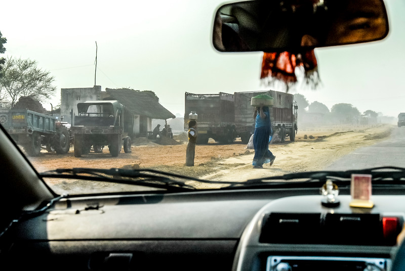 Roads_in_India_1206_057.jpg